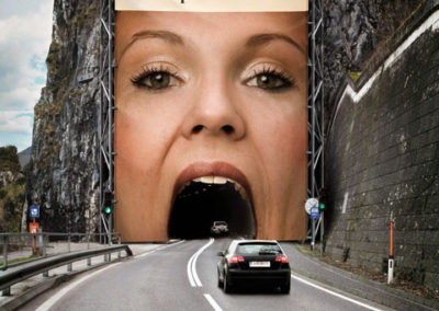 el-colmo-del-sexismo_mujer-devoradora-en-la-carretera_anuncio-espectacular-tunel3