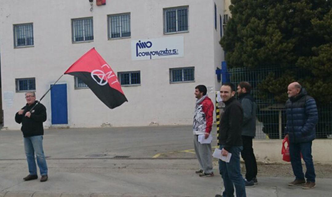 [Sindical] Pino Componentes SL acomiada dos sindicalistes per repartir octavetes informatives entre la plantilla