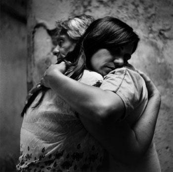 [Opinió] Dins l'escalfor d'una abraçada